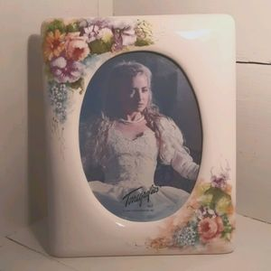 Picture frame (90s)